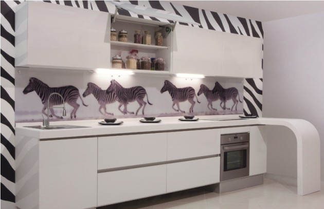Черно-белая кухня декор