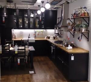 Черно-белая кухня от Икеа_1