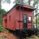 Обзор интерьера: Как сделали дом из старого вагона