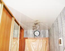 Натяжной потолок и шкаф-купе