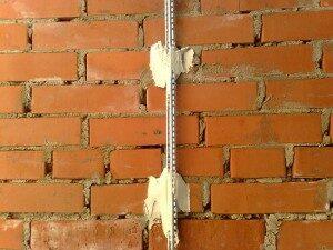 «Маяки» на стене