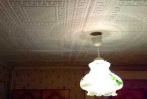 потолочная (полистирольная) плитка