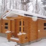 Плюсы зимнего строительства бани на даче