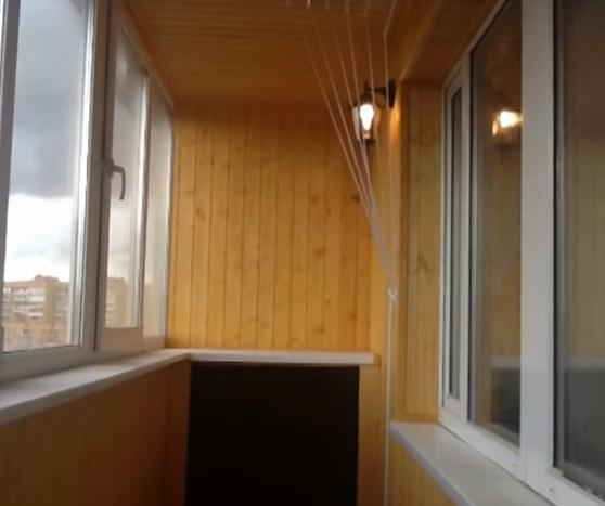 Обшивка балкона вагонкой.
