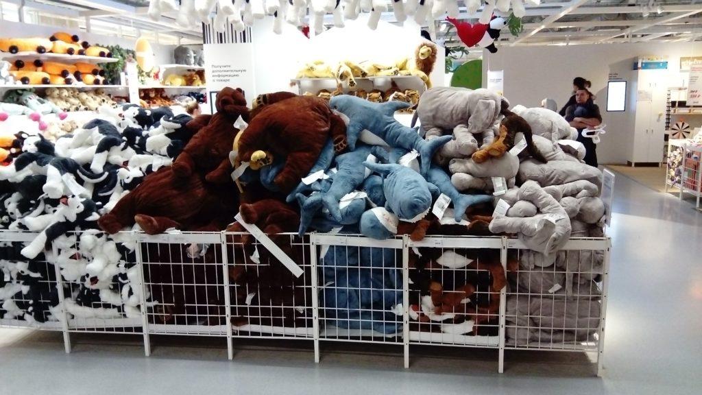 Мягкие игрушки акулы блохэй и другие в Икеа