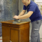 Как перекрасить полированную мебель?