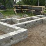 Как строят фундамент для дома из бруса