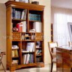Книжный шкаф из массива