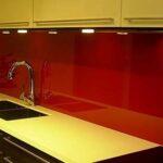 Чем отделать стену над кухонной столешницей?