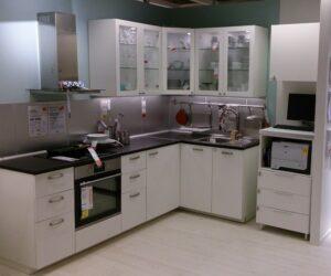 Черно-белая кухня от Икеа_2