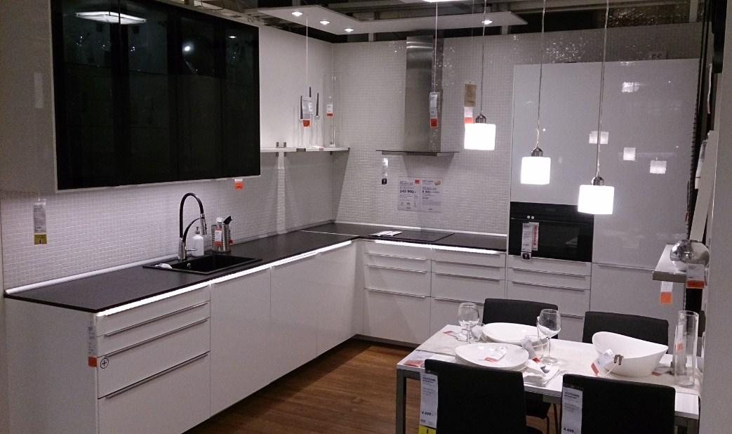 Черно-белая кухня от Икеа_3