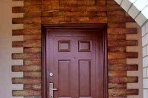 Отделка камнем дверных проемов