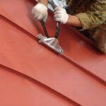 Покраска металлической крыши своими руками