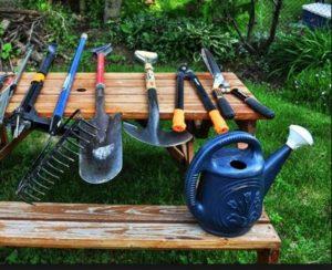 инструменты на дачном участке
