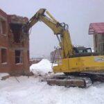 Демонтаж коттеджей и дачных домов. Особенности процесса.
