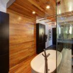 Дизайн ванной комнаты: плитка, панели или камень?
