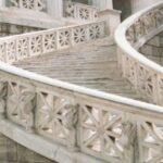 Лестницы из натурального камня от «Камнемир»