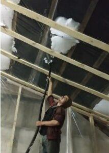 утепление пеноизолом потолка