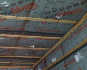 монтаж пеноизола на потолок