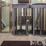 Автоматические двери и стеклянные конструкции от «МосСтеклоСталь»