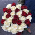 Доставка цветов: торжественные минуты в будний день